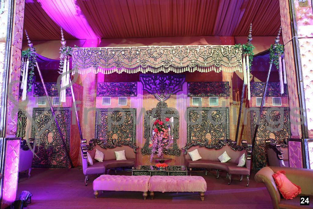 traditional wedding decor idea